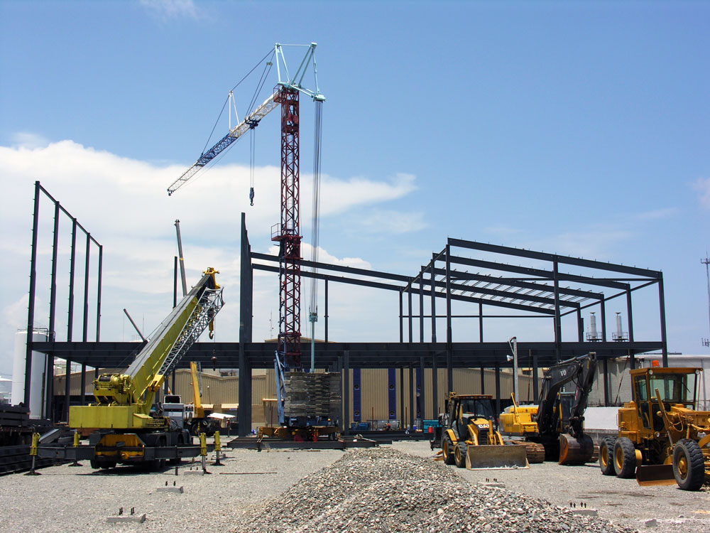 Montaje en Obra con equipos y personal de instalación Proyecto Edificio Leche Rica, República Dominicana