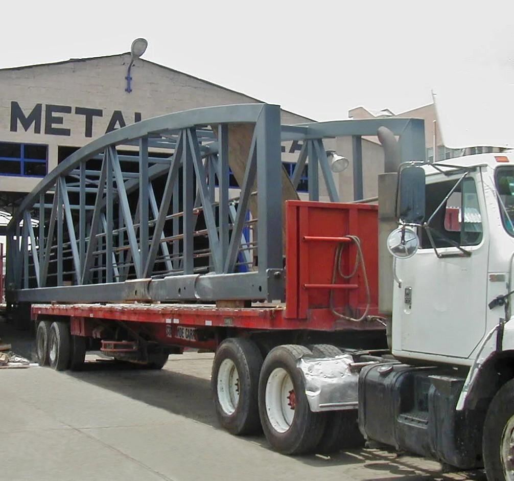 fabricacion de estructuras metalicas requiere del traslado de las estructuras hacia el lugar de la obra